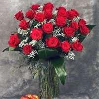 お祝いにも!バラのアレンジメントをどなたに贈りたいですか?