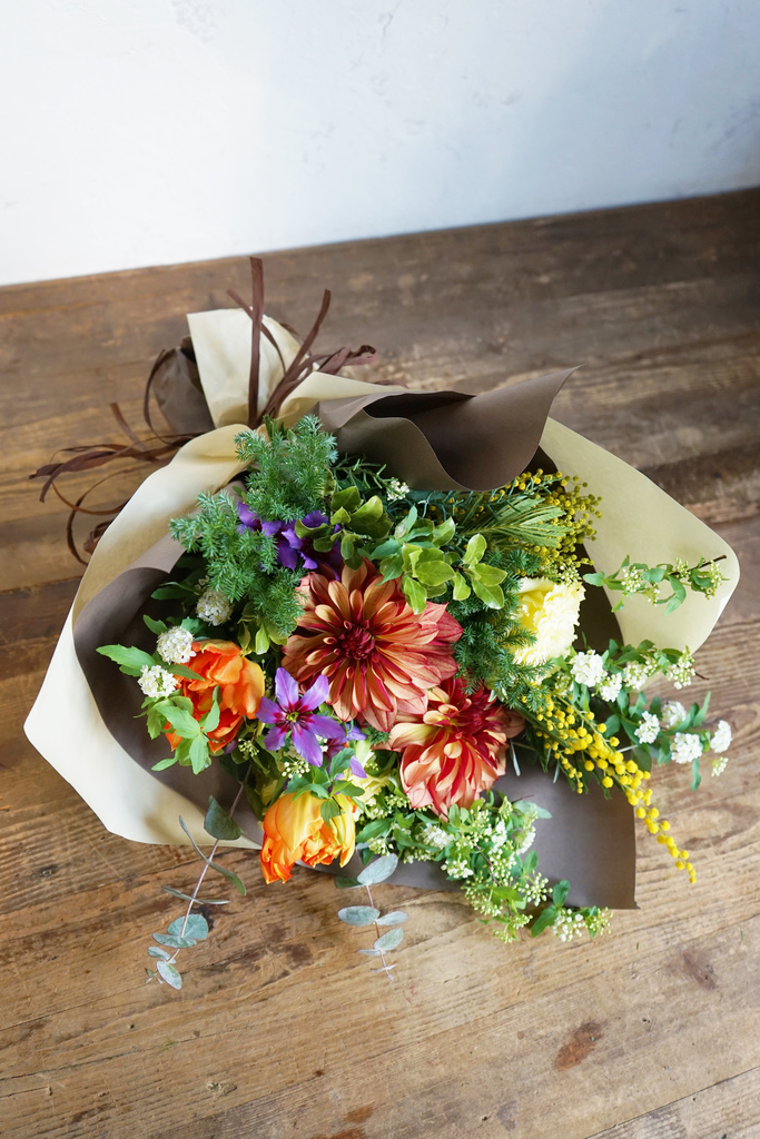季節のお任せ花束 6,000円 【当日発送可】