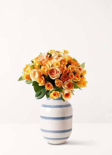 バラ グラスブーケ オレンジ L (50本入) Omaggio (オマジオ) ベース L ライトブルー付き