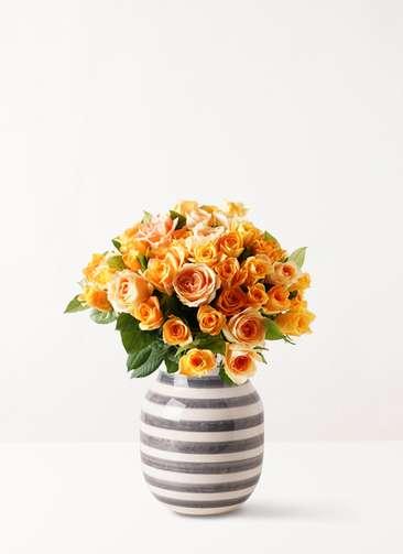 バラ グラスブーケ オレンジ L (50本入) Omaggio (オマジオ) ベース M グラナイト グレー付き