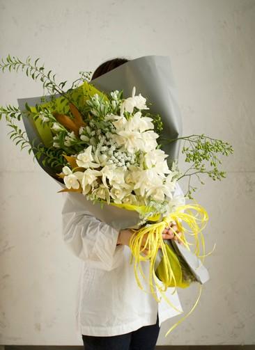 リンドウ 花束 ホワイト L スタンダード
