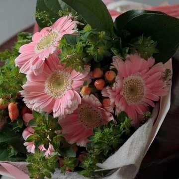 ガーベラ 花束 ピンク
